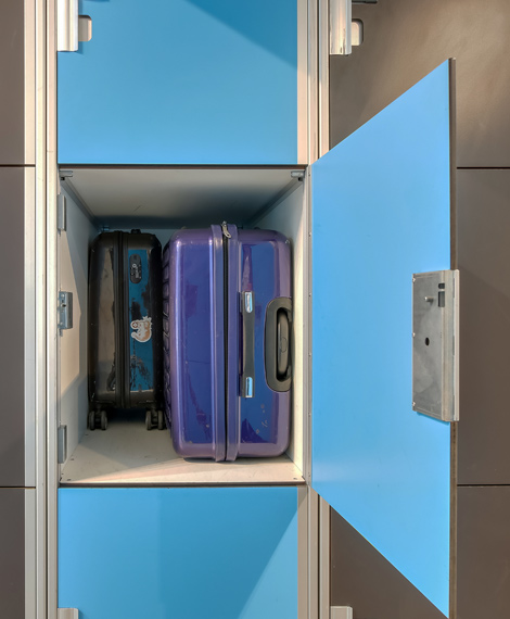 Dimensions of lockers for luggages